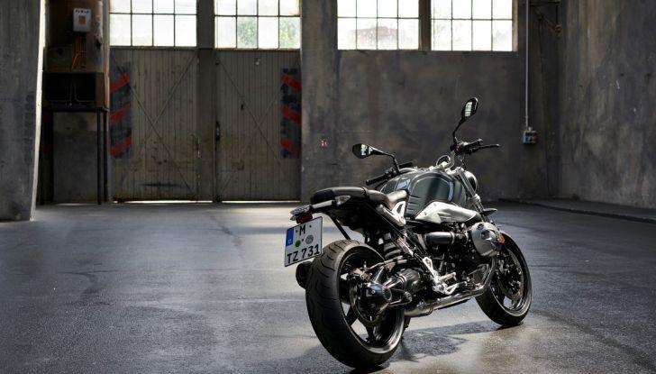 BMW presenta la R nineT Racer e la R nineT Pure 2017 - Foto 16 di 22