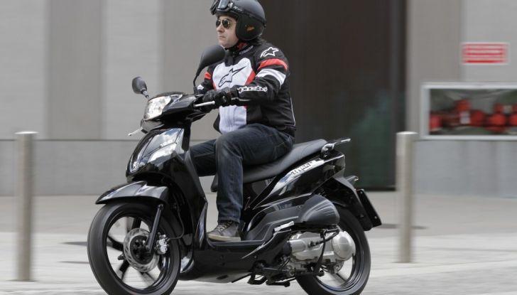 Prova Peugeot Tweet: lo scooter cittadino si fa in due - Foto 15 di 15