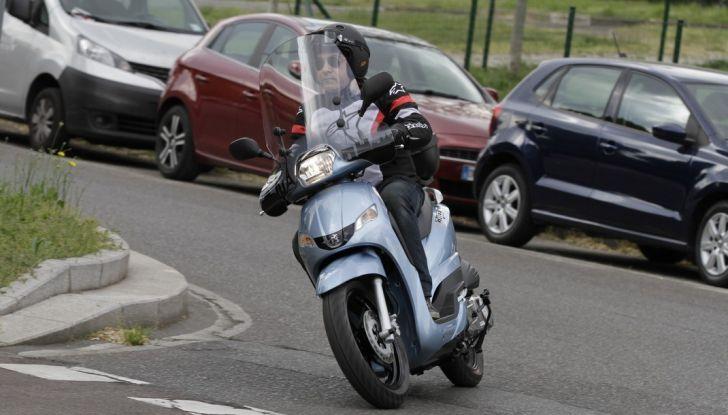 Prova Peugeot Tweet: lo scooter cittadino si fa in due - Foto 14 di 15