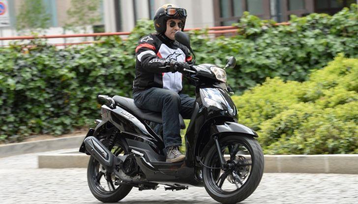 Prova Peugeot Tweet: lo scooter cittadino si fa in due - Foto 7 di 15