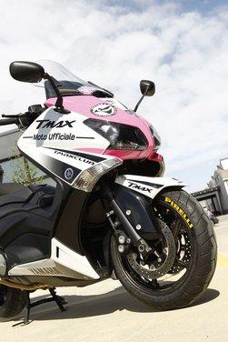 Yamaha TMax 530 e Club TMax ASD al via del Giro d'Italia del Record - Foto 17 di 19
