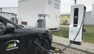 Porsche elettrica ricarica 100Km di autonomia in 3 minuti