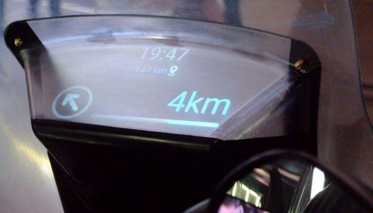 Samsung e Yamaha presentano il Tricity con Smart Windshield - Foto 16 di 27
