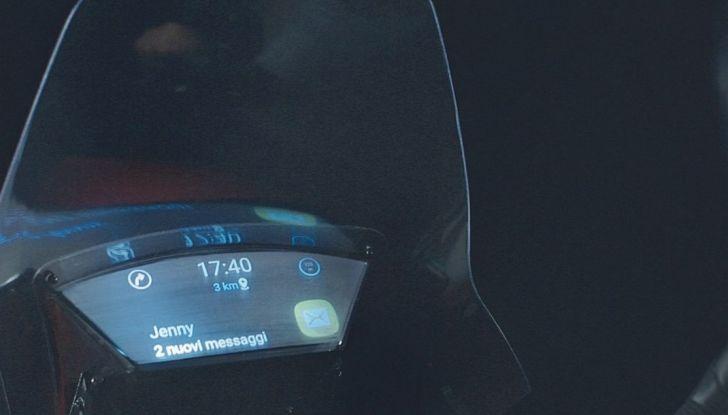 Samsung e Yamaha presentano il Tricity con Smart Windshield - Foto 18 di 27
