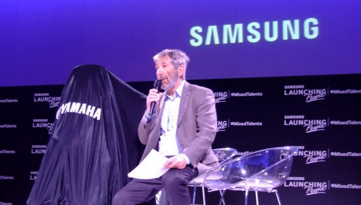 Samsung e Yamaha presentano il Tricity con Smart Windshield - Foto 21 di 27
