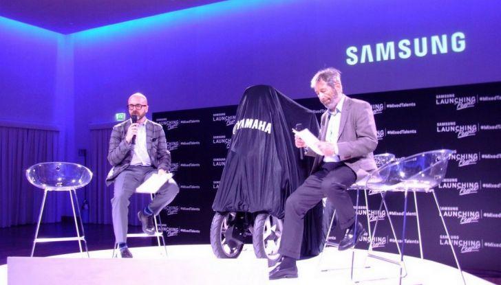 Samsung e Yamaha presentano il Tricity con Smart Windshield - Foto 22 di 27