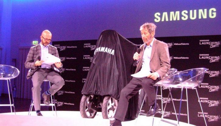 Samsung e Yamaha presentano il Tricity con Smart Windshield - Foto 23 di 27