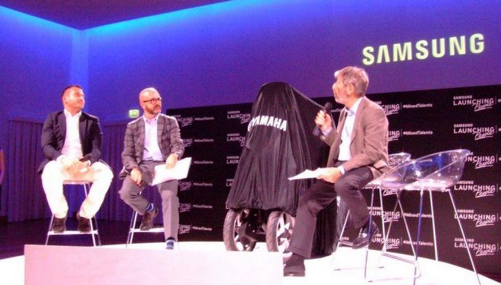 Samsung e Yamaha presentano il Tricity con Smart Windshield - Foto 27 di 27