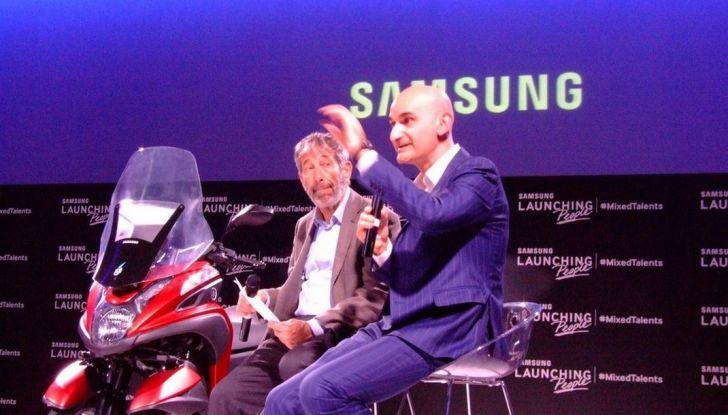 Samsung e Yamaha presentano il Tricity con Smart Windshield - Foto 8 di 27