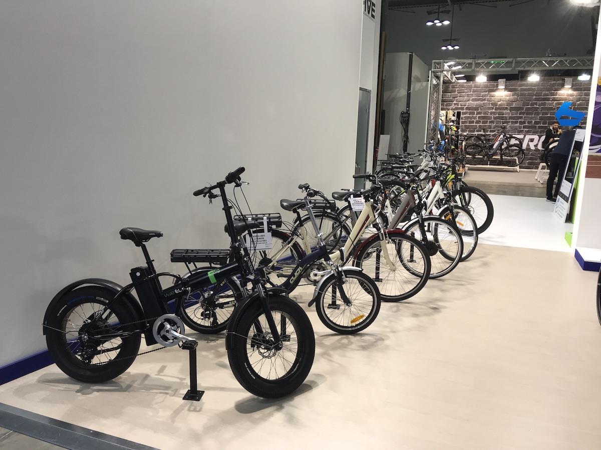 L'EICMA 2018 si elettrifica: gli scooter e le bici a zero emissioni - Foto 12 di 21