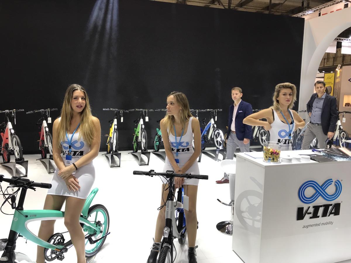 L'EICMA 2018 si elettrifica: gli scooter e le bici a zero emissioni - Foto 17 di 21