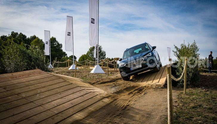 Prova su strada Seat Tarraco: il SUV sportivo è ammiraglia del marchio - Foto 2 di 49