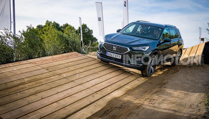 Prova su strada Seat Tarraco: il SUV sportivo è ammiraglia del marchio - Foto 1 di 49