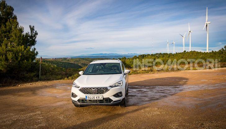 Prova su strada Seat Tarraco: il SUV sportivo è ammiraglia del marchio - Foto 22 di 49