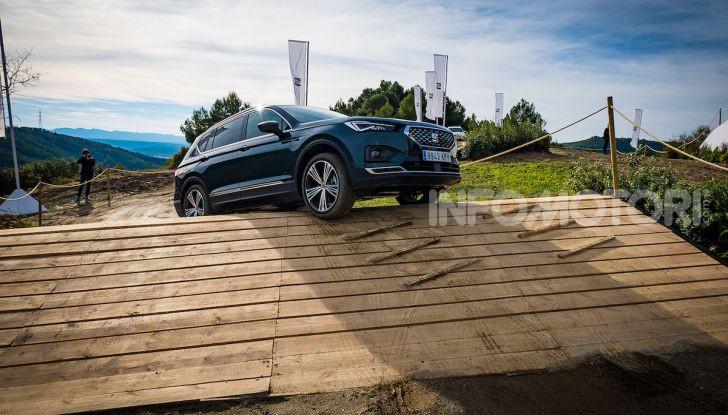 Prova su strada Seat Tarraco: il SUV sportivo è ammiraglia del marchio - Foto 5 di 49