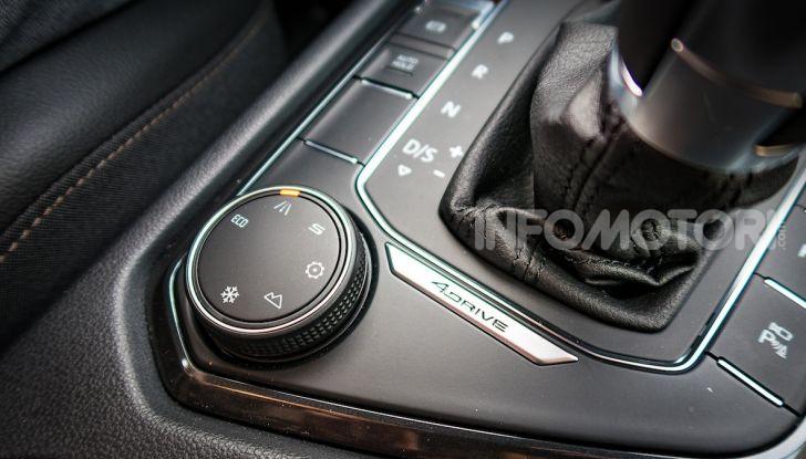 Prova su strada Seat Tarraco: il SUV sportivo è ammiraglia del marchio - Foto 9 di 49