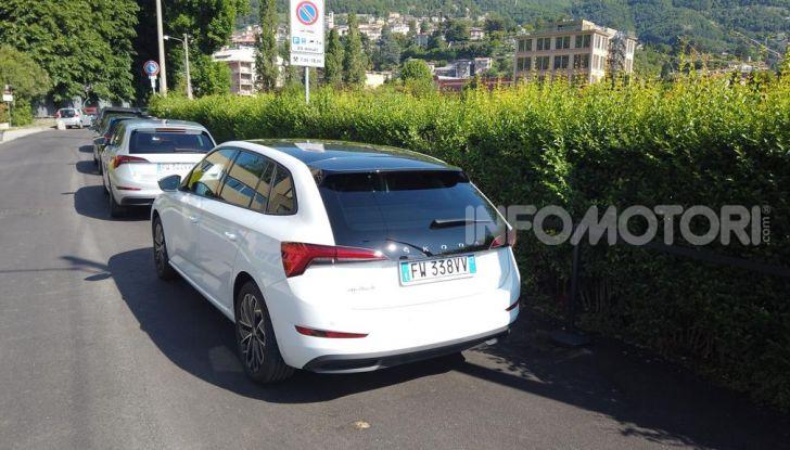 Skoda Scala prova su strada, motori e prezzi - Foto 15 di 32