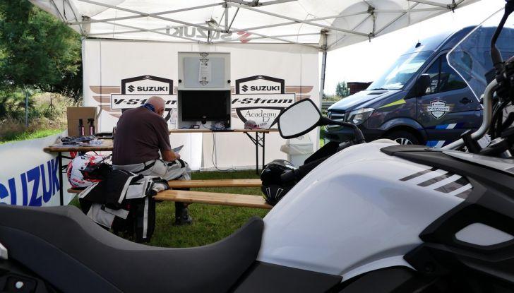 Suzuki V-Strom Academy 2018: imparare il fuoristrada con le Maxienduro - Foto 2 di 10
