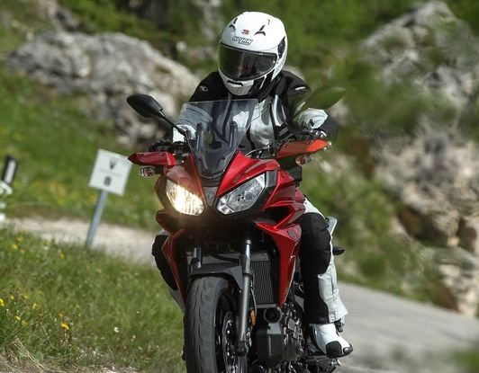 Prova su strada Yamaha Tracer 700: la Sport Tourer unica e affidabile - Foto 14 di 23