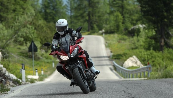 Prova su strada Yamaha Tracer 700: la Sport Tourer unica e affidabile - Foto 10 di 23