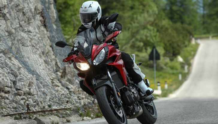 Prova su strada Yamaha Tracer 700: la Sport Tourer unica e affidabile - Foto 11 di 23