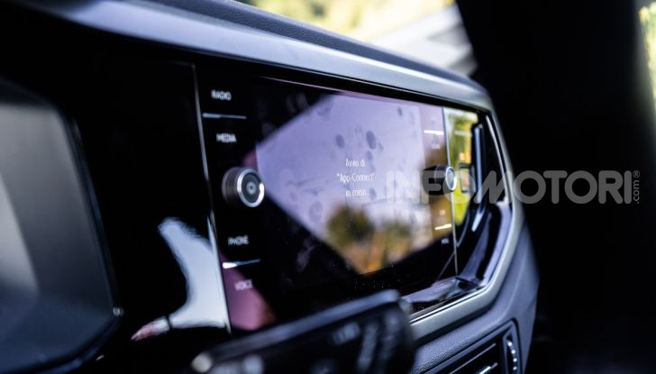 Volkswagen Polo TGI prova su strada, prezzi e consumi - Foto 15 di 18