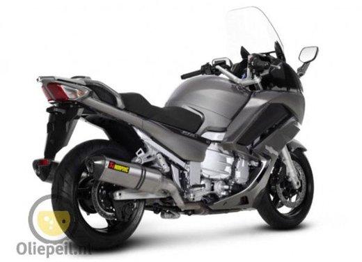 Yamaha FJR 1300 prime immagini rubate