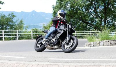 Yamaha MT-09: prova della naked 3 cilindri made in Japan