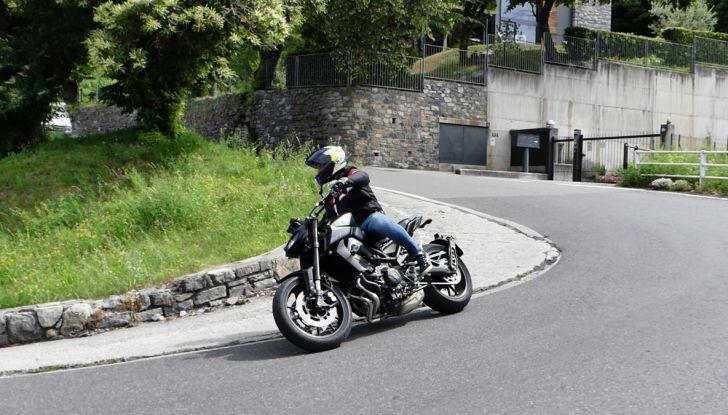 Yamaha MT-09: prova della naked 3 cilindri made in Japan - Foto 7 di 25
