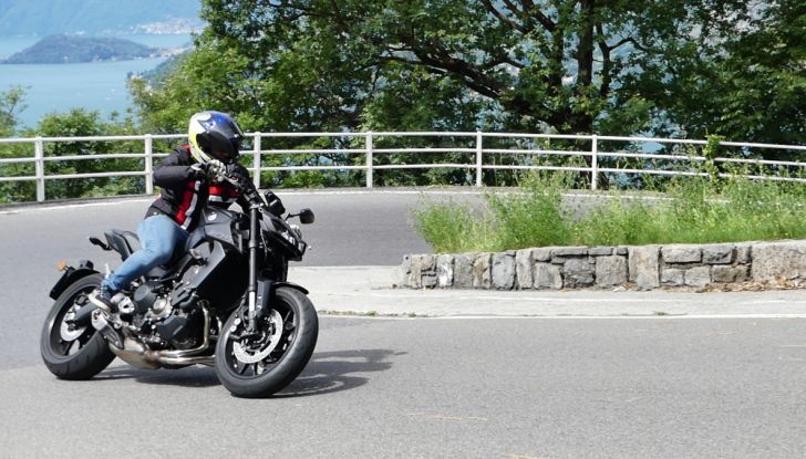 Yamaha MT-09: prova della naked 3 cilindri made in Japan - Foto 12 di 25