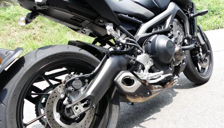 Yamaha MT-09: prova della naked 3 cilindri made in Japan - Foto 20 di 25