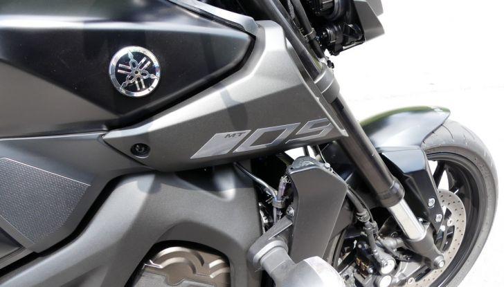 Yamaha MT-09: prova della naked 3 cilindri made in Japan - Foto 21 di 25