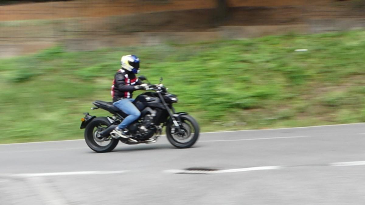 Yamaha MT-09: prova della naked 3 cilindri made in Japan - Foto 24 di 25