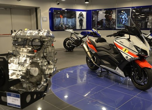 Yamaha TMax 530 versione Giacomo Agostini - Foto 10 di 39