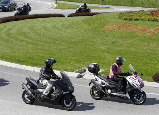 Yamaha TMax 530 e Club TMax ASD al via del Giro d'Italia del Record - Foto 11 di 19