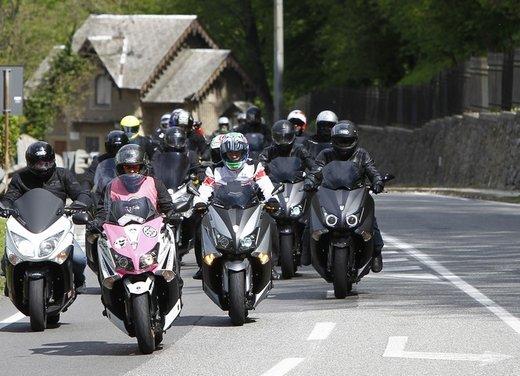 Yamaha TMax 530 e Club TMax ASD al via del Giro d'Italia del Record - Foto 14 di 19