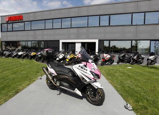 Yamaha TMax 530 e Club TMax ASD al via del Giro d'Italia del Record