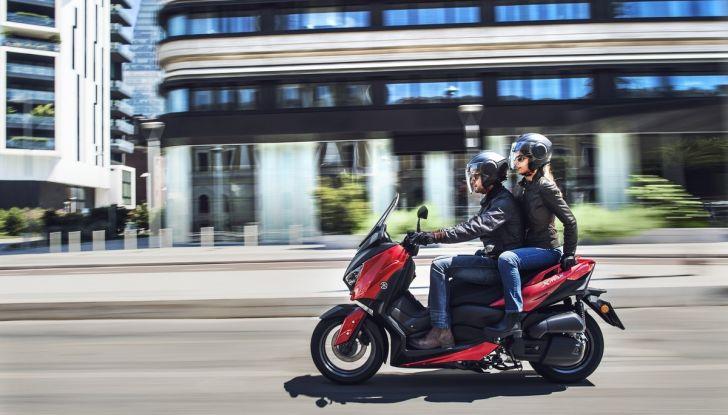 Yamaha X-Max 125: confort, tecnologia e stile - Foto 2 di 25
