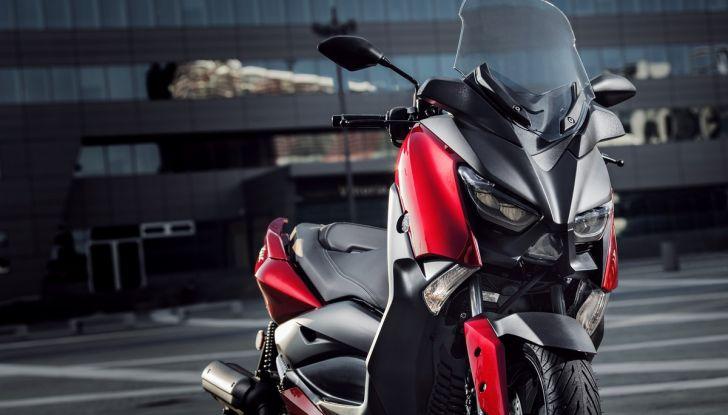 Yamaha X-Max 125: confort, tecnologia e stile - Foto 12 di 25