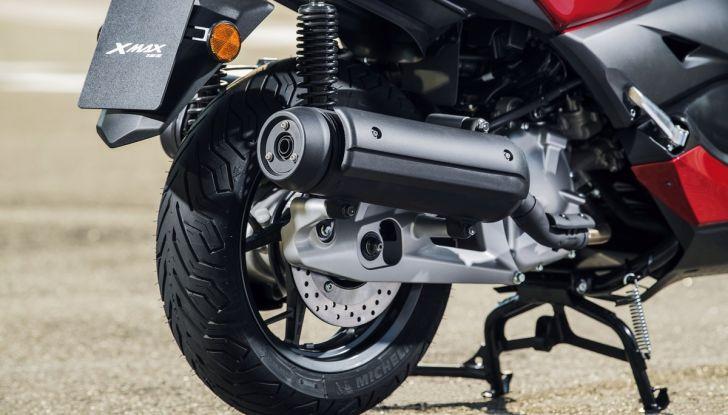Yamaha X-Max 125: confort, tecnologia e stile - Foto 14 di 25