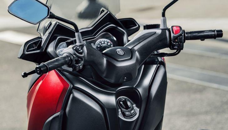 Yamaha X-Max 125: confort, tecnologia e stile - Foto 20 di 25