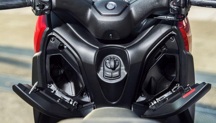 Yamaha X-Max 125: confort, tecnologia e stile - Foto 21 di 25