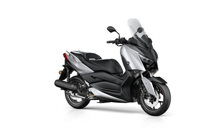 Yamaha X-Max 125: confort, tecnologia e stile - Foto 10 di 25