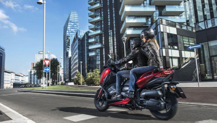 Yamaha X-Max 125: confort, tecnologia e stile - Foto 5 di 25