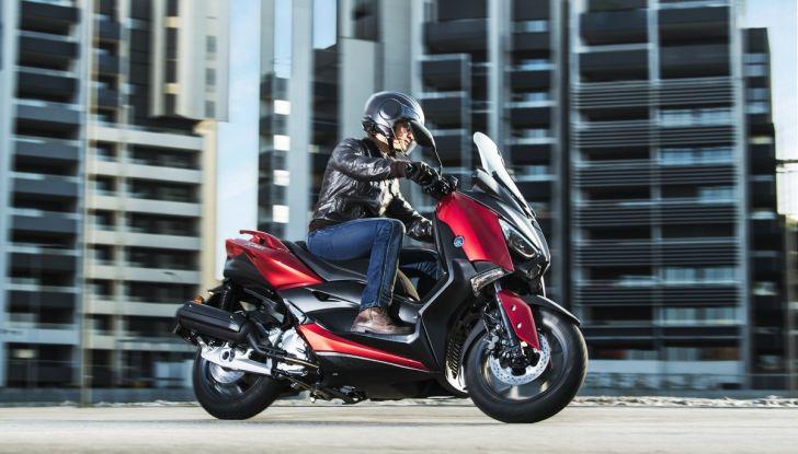 Yamaha X-Max 125: confort, tecnologia e stile - Foto 1 di 25