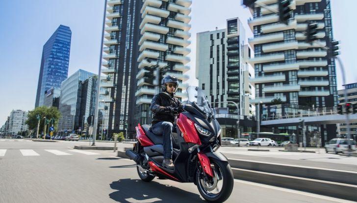Yamaha X-Max 125: confort, tecnologia e stile - Foto 6 di 25