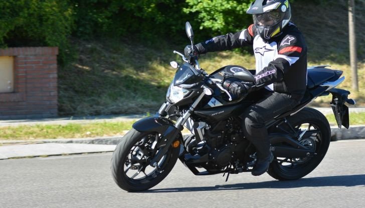 Prova Yamaha MT-03: entry level con qualcosa in più - Foto 21 di 28