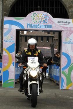 Yamaha XJ6 moto del Giro d'Italia - Foto 7 di 28
