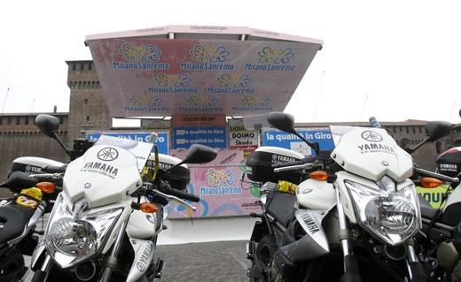Yamaha XJ6 moto del Giro d'Italia - Foto 16 di 28