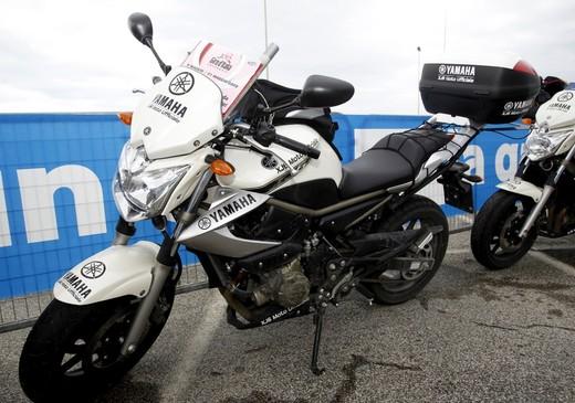 Yamaha XJ6 moto del Giro d'Italia - Foto 27 di 28